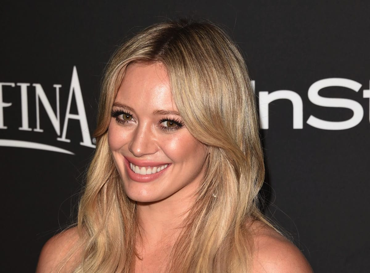 Hilary Duff Returns To The Studio To Write New Songs With ... Hilary Duff Songs